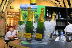 Champagner Bewirtung auf dem Messestand