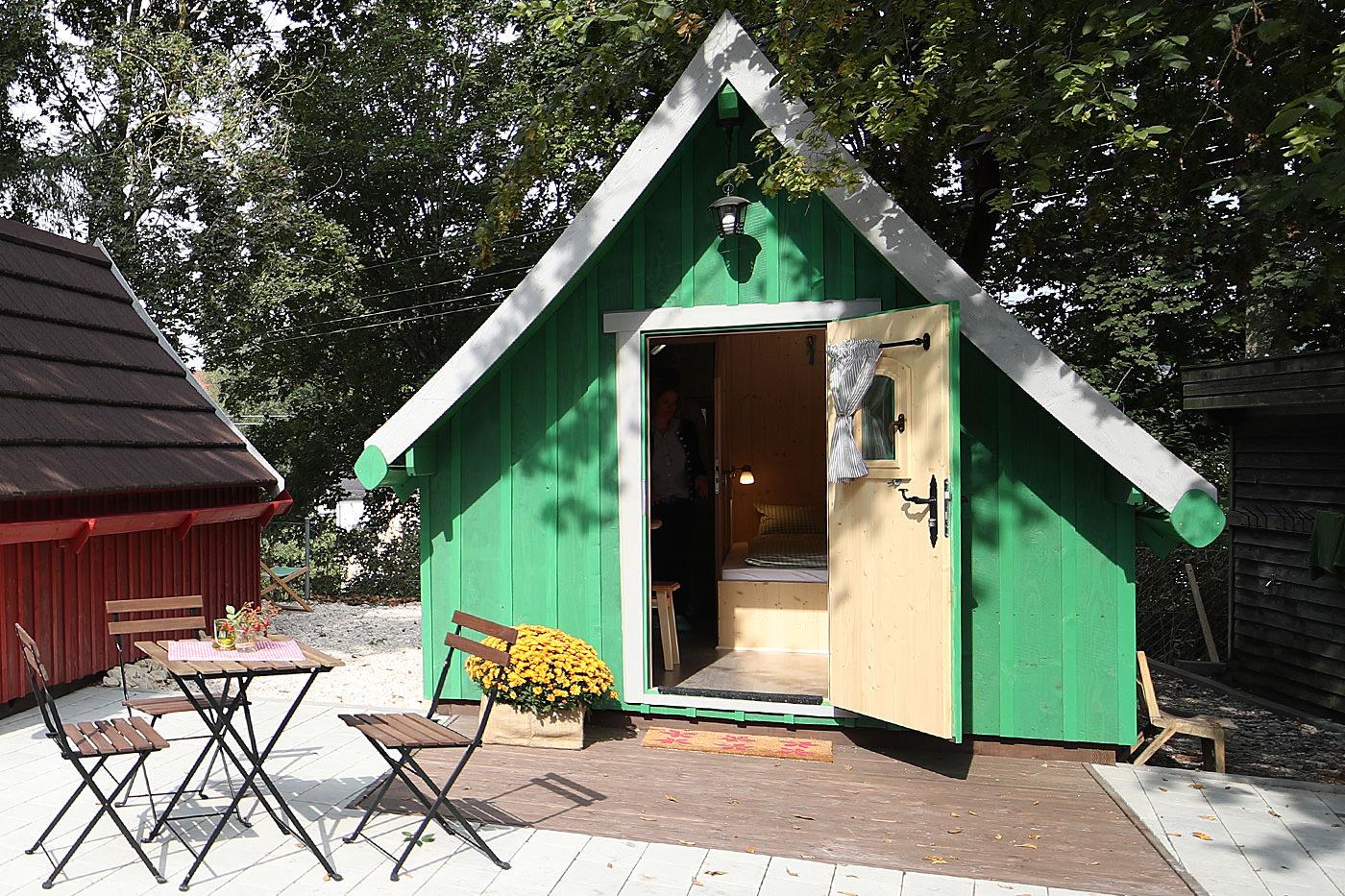 Trollhaus Grün außen